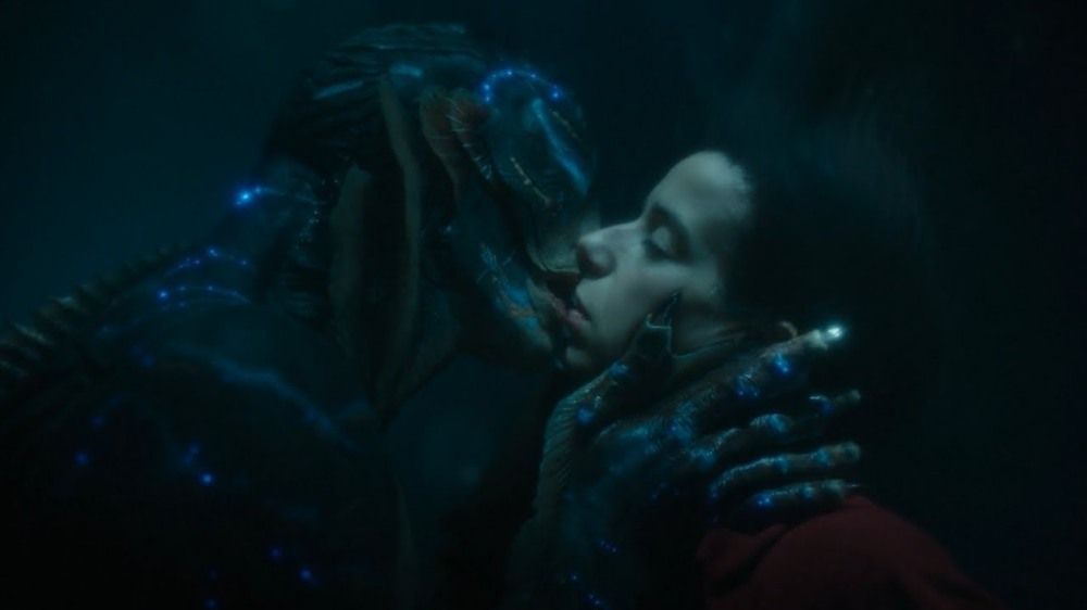 shapeofwaterkiss